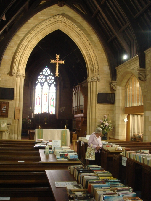 St_Edwards_booksale_3
