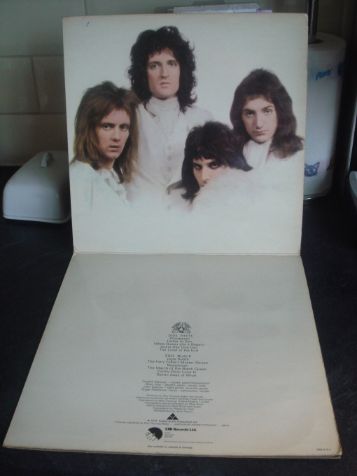 Queen-II-middle